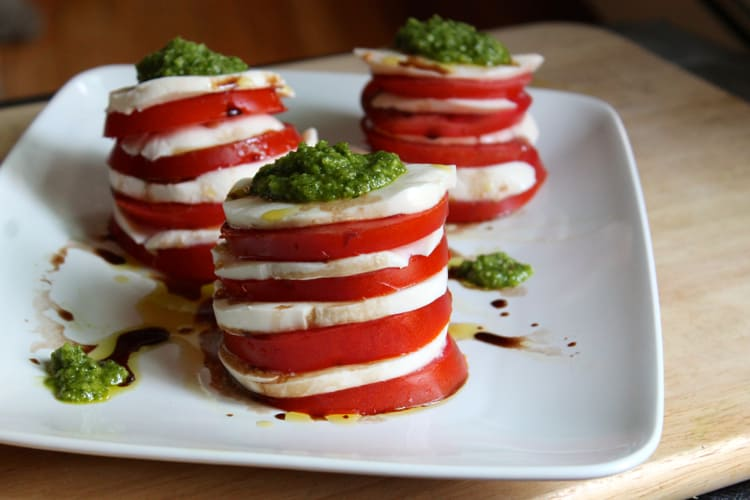 Tomato Mozzarella Salad with Garlic Scape Pesto | @TheFoodieDietitian