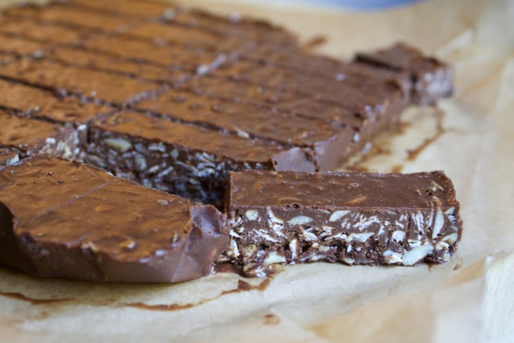 No Bake Almond Joy Bars - Gluten-Free | The Foodie Dietitian @karalydon
