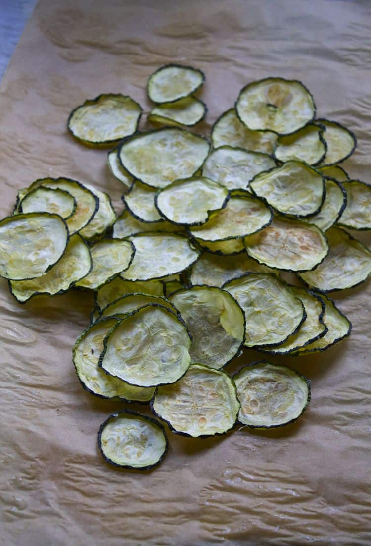 Flavored Zucchini Chips | The Foodie Dietitian @karalydon