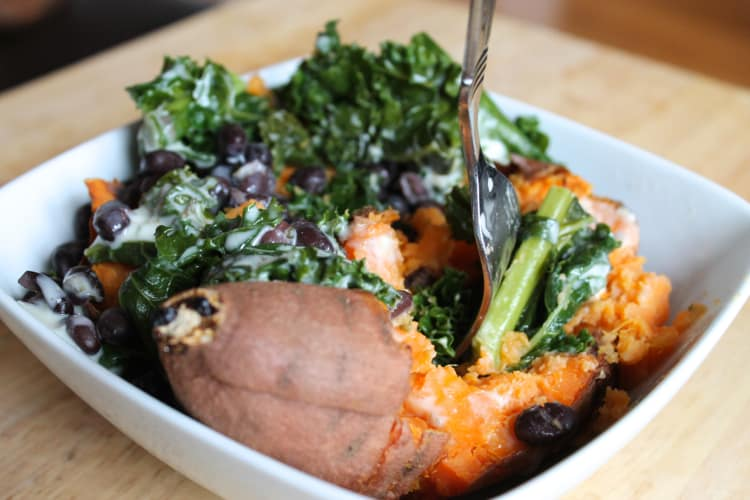What The Foodie Dietitian Ate Wednesday: Loaded Sweet Potato | The Foodie Dietitian @karalydon