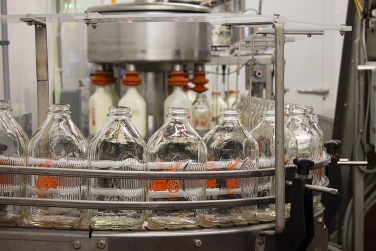 Dairy Farm Tour at Honstra Farms | The Foodie Dietitian @karalydon