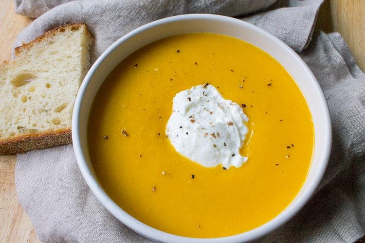 Vegan Butternut Squash Soup | The Foodie Dietitian @karalydon