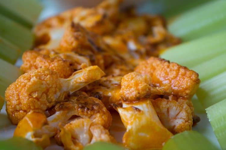 Buffalo Cauliflower Wings | @TheFoodieDietitian