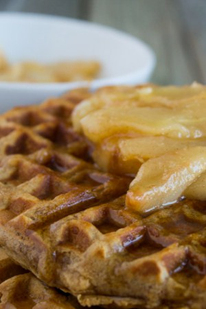 Chai Waffles with Pears | @TheFoodieDietitian