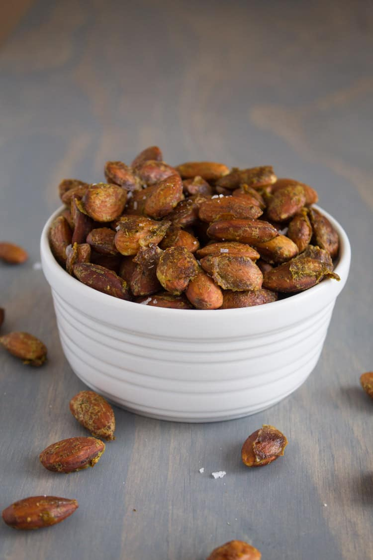 Arugula Pesto Roasted Almonds | @TheFoodieDietitian