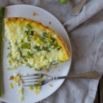 Asparagus and Leek Quiche | @TheFoodieDietitian