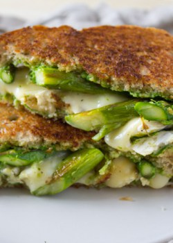 Asparagus and Brie Grilled Cheese with Arugula Pesto