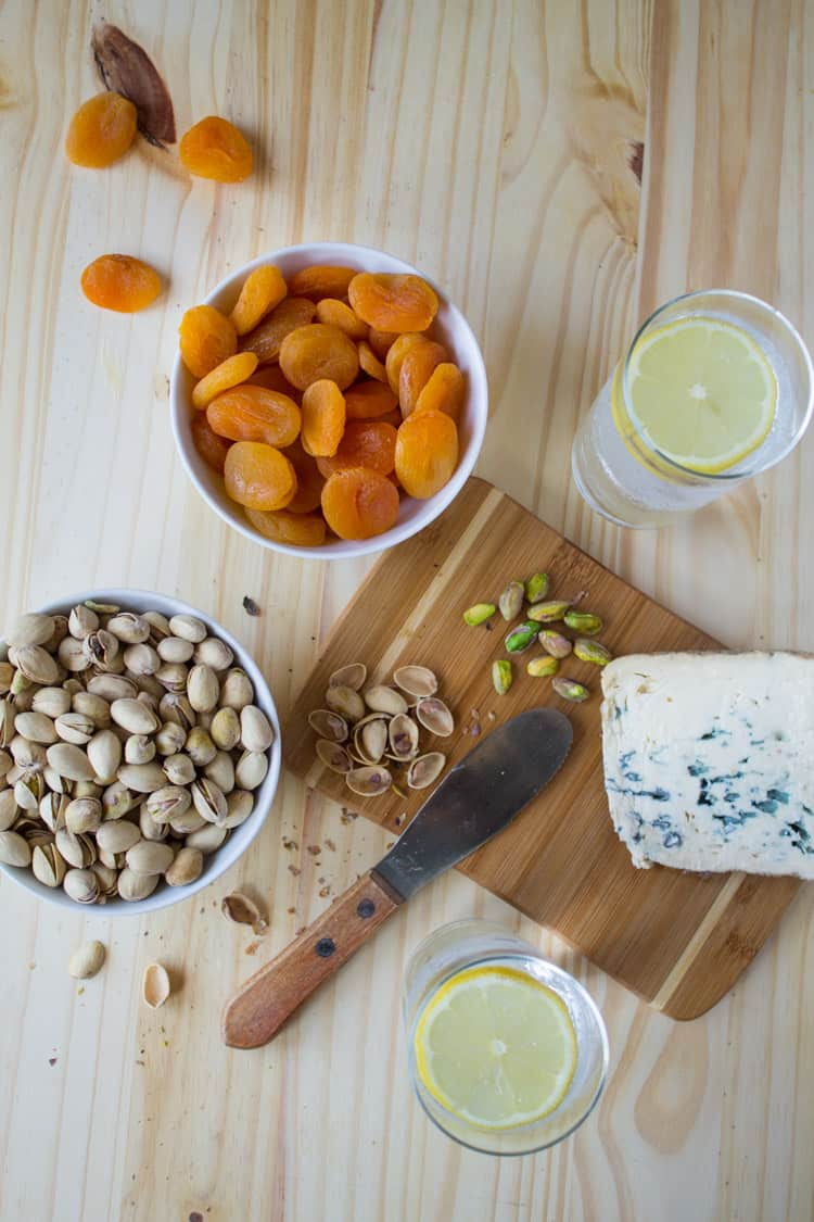 Sweet and Salty Pistachio Snack with Blue Cheese and Turkish Apricots | @TheFoodieDietitian