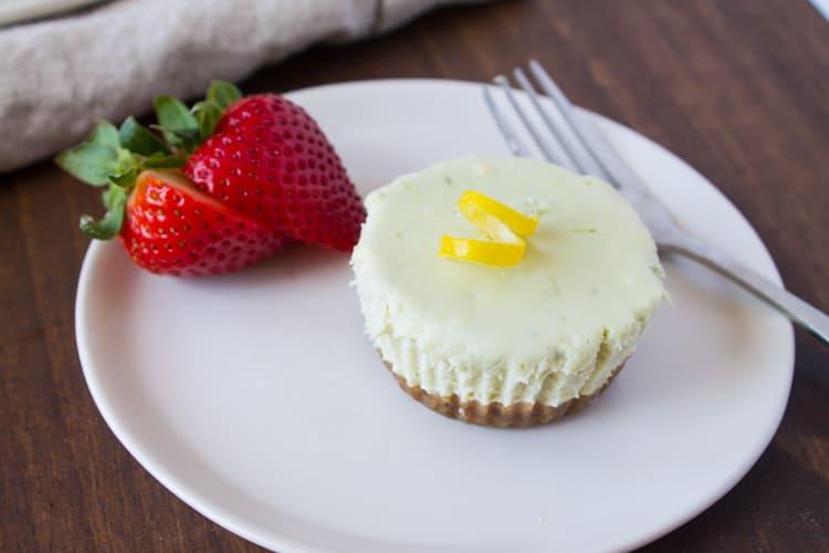 Raw Matcha Cheesecake Bites