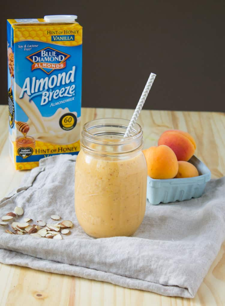 Roasted Apricot and Almond Smoothie | @TheFoodieDietitian
