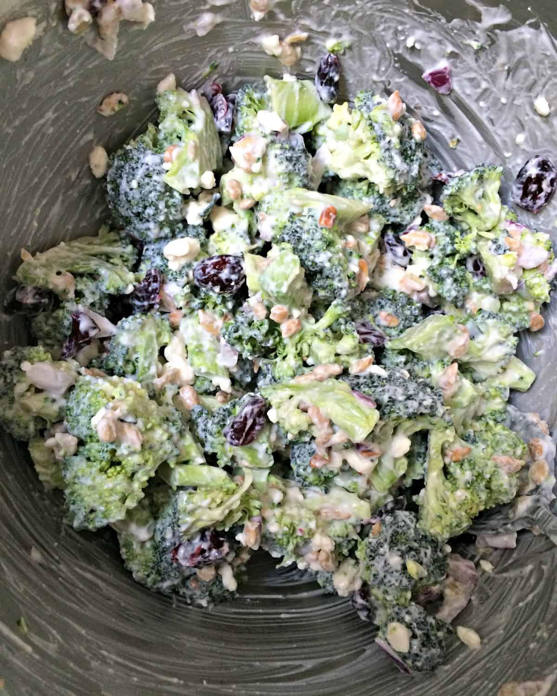 Broccoli Salad via @chocolateslopes | karalydon.com