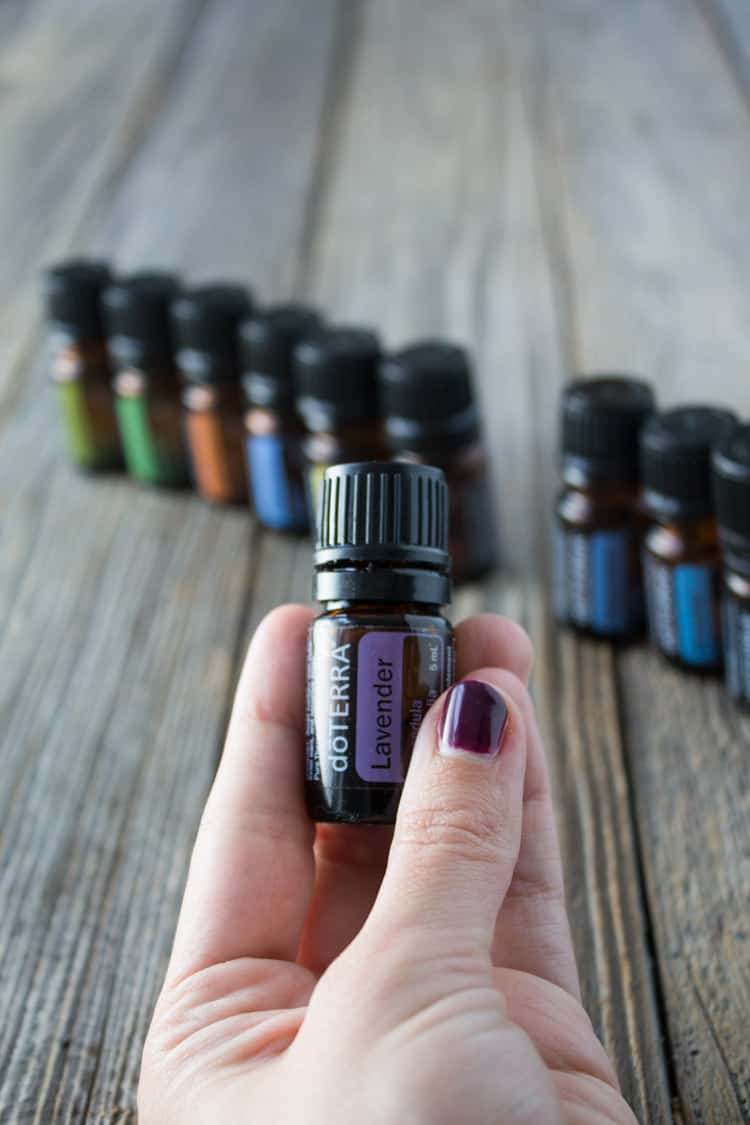 How to Use Essential Oils Like Lavender (Mindful Monday)