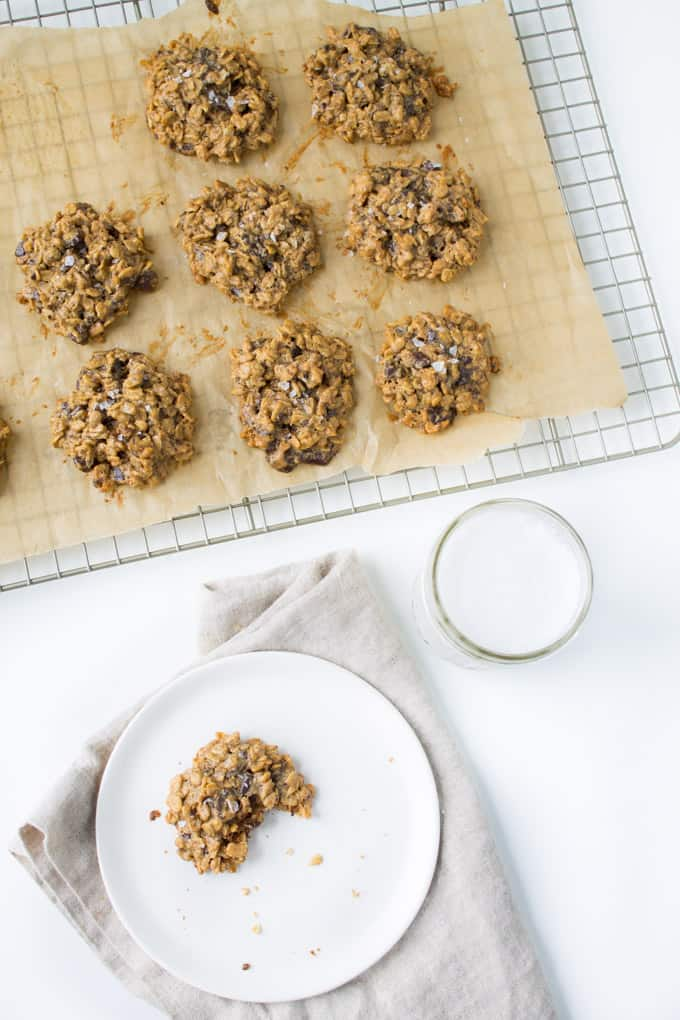 Vegan Peanut Butter Chocolate Chunk Oatmeal Cookies