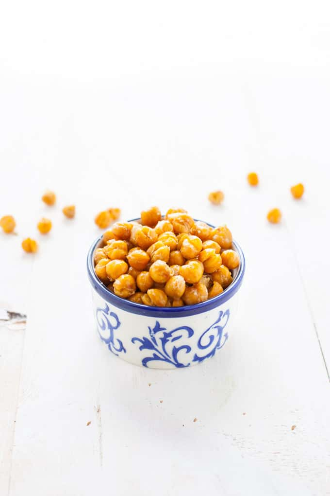 Crispy, savory and totally (warning!) addicting, these truffle roasted chickpeas are the perfect snack for the afternoon snack attack!