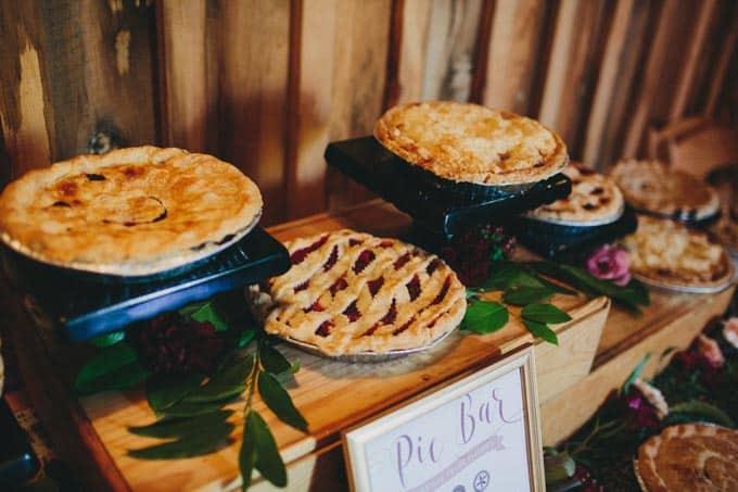 pie display rustic wedding