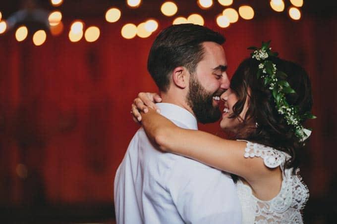 rustic-barn-wedding-in-western-new-york-33