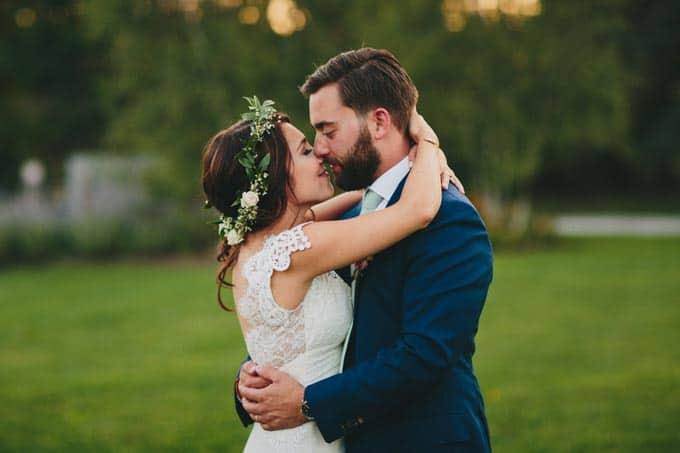 rustic-barn-wedding-in-western-new-york-35