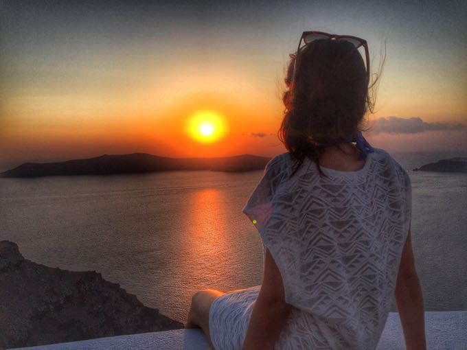 santorini sunset. top 10 things to do on your honeymoon in greece.