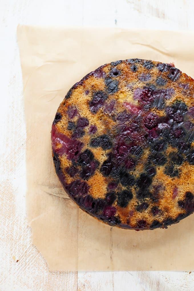 Vegan Berry Upside Down Cake #dairyfree