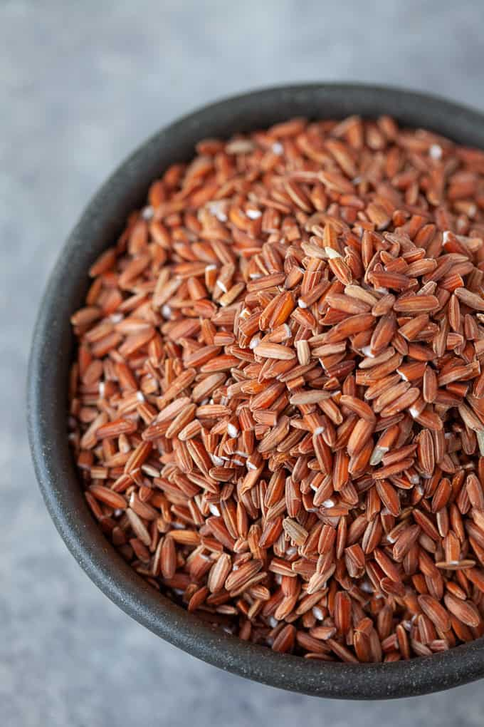 Wondering which varieties of rice are healthiest for you? We're dishing all the deets on rice nutrition, rice varieties and rice cooking techniques. Aka ALL THE THINGS RICE. #rice #nutrition