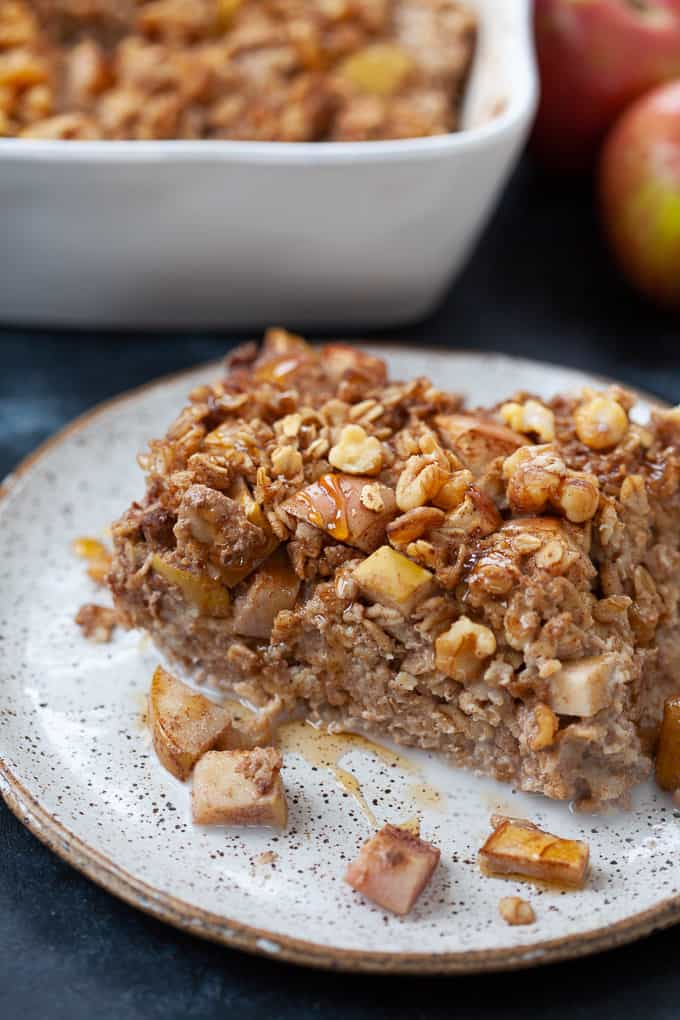 apple pie baked oatmeal served on a plate