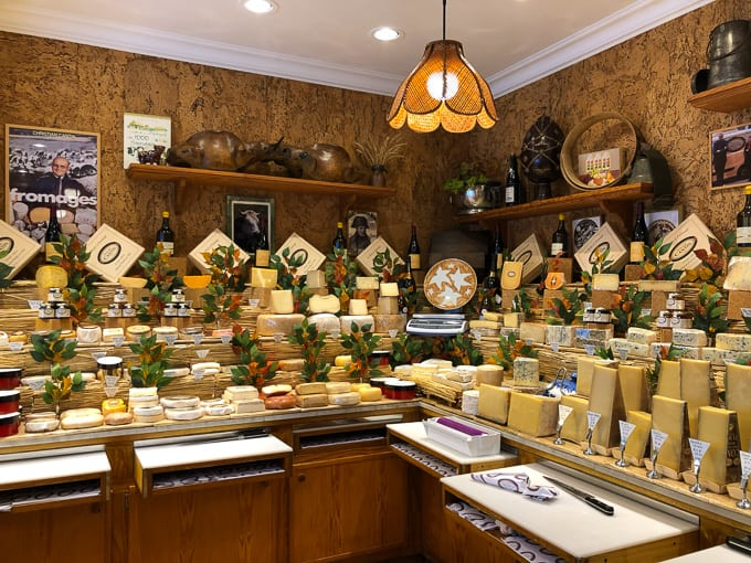 Fromager Marie-Anne Cantin in Paris