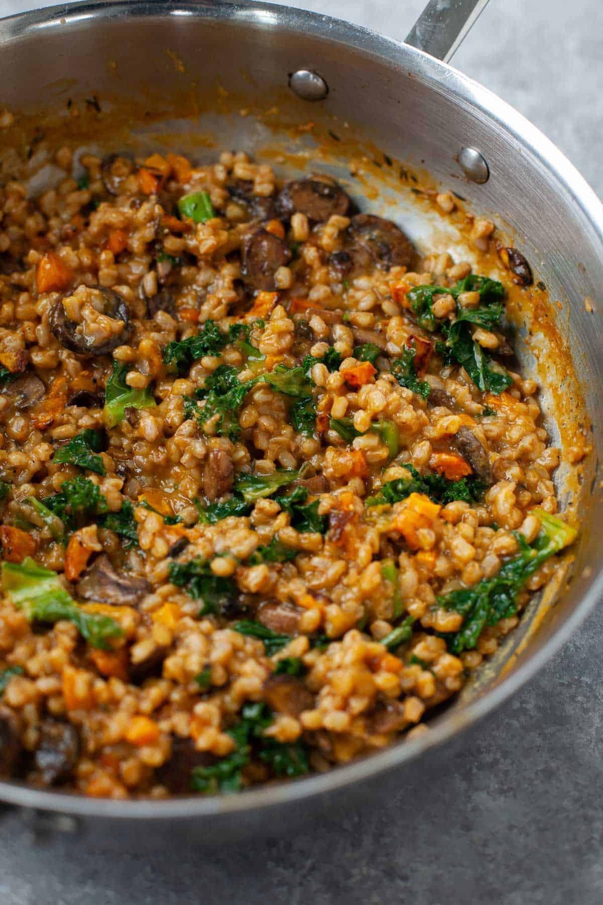 farro ingredients in pan